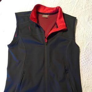 Athleta vest with back pockets